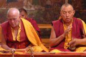 Indien, Trekking in Ladakh. Mönche im Kloster Phyang. Foto: Günther Härter.