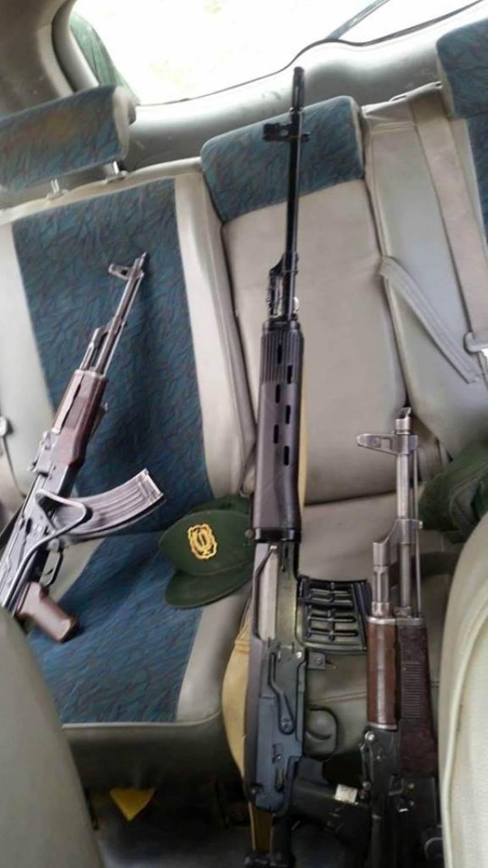 الصناعة العسكرية الجزائرية  [ AKM / Kalashnikov ]  28378500956_0dcb311f9d_o