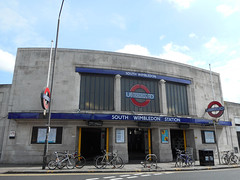 Picture of South Wimbledon Station