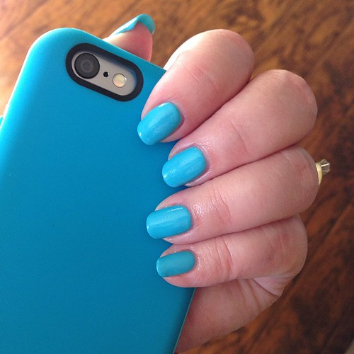 122:365 Totally unplanned that my new manicure matches my phone.
