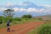 Biketour Kenja-Kilimanjaro. Mount Meru auf der Bikerunde um den Kilimanjaro. Foto: Archiv Härter.
