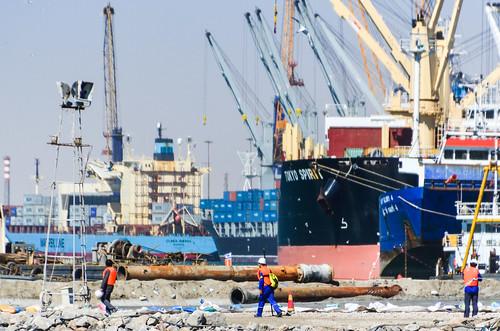 Travailleurs chinois dans le port de Walvis Bay, Namibie