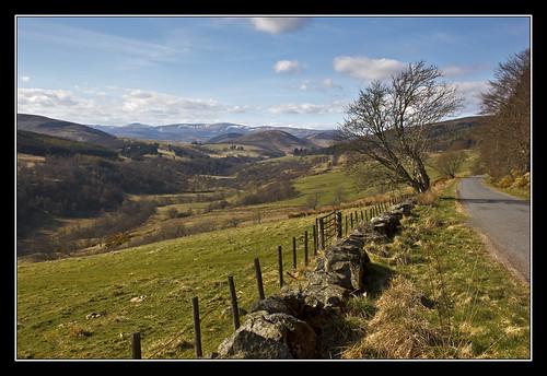road mountains view angus hills valley angusglens glenprosen