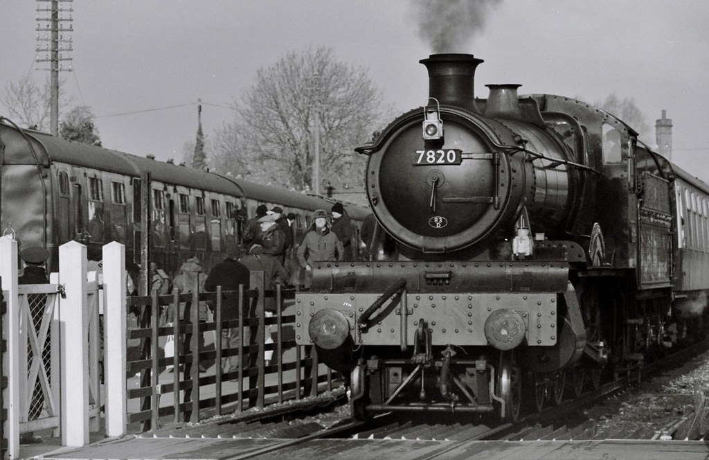 7820 GWR Manor class 'Dinmore Manor', Quorn & Woodhouse, 1st February 2015