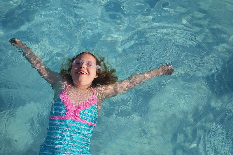 Lulu Swimming