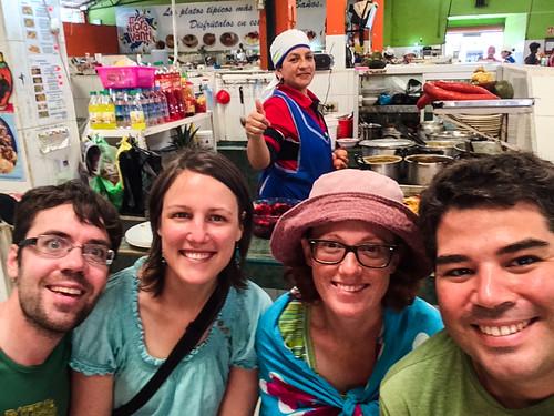 Baños: repas de midi au Mercado Central