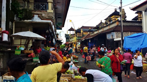 The Ubud Market, a short walk from our Homestay Rumuh Roda