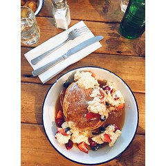 American #pancakes with vanilla cream #foodporn