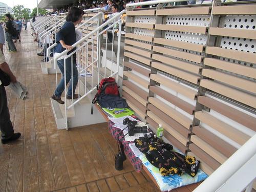 函館競馬場の一般席の中段部分
