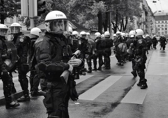 Die Polizeieiei...