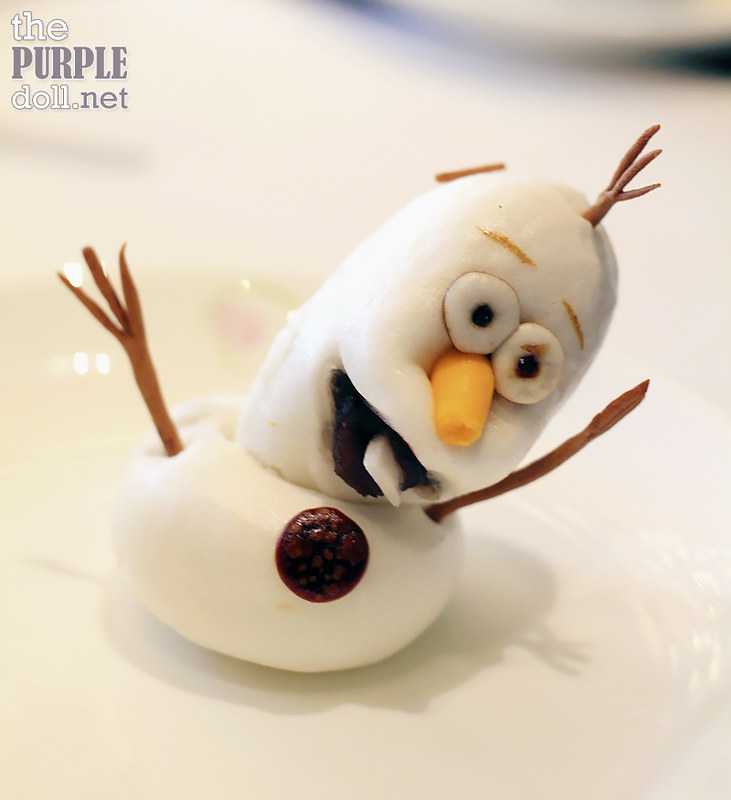 """Olaf"" Steamed Red Bean Bun (HKD 72)"