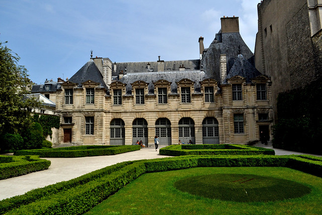 Hotel de Sully - Paris