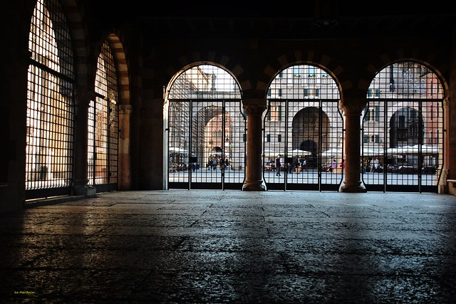 4/5/2016__Palazzo del Podestà- Piazza dei Signori : Verona_Italy