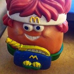 Mcnugget buddy John McEnroe! #tennis #ragingnerdgasm #TomKhayos #toysagram #ToyGamePabloEscobar #toyhustle #RagingNerdgasm #80s #retro #ToyGameScroogeMcDuck #ToyFinds #ToyHunting #ToyGameTedDiBase #johnmcenroe #McDonalds #happymeal