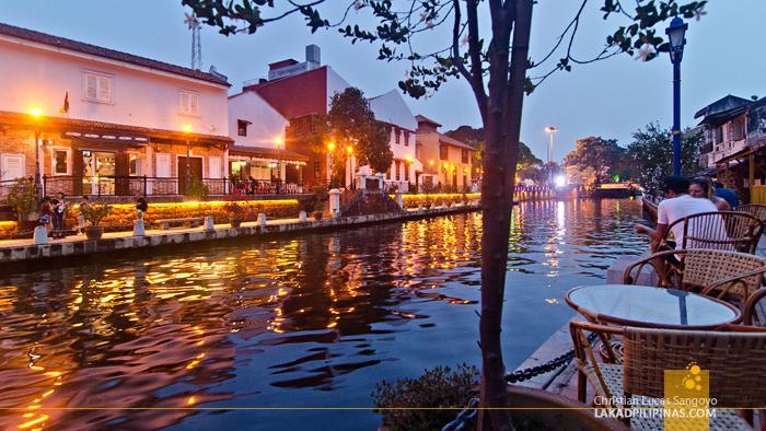 Melaka River Cafes
