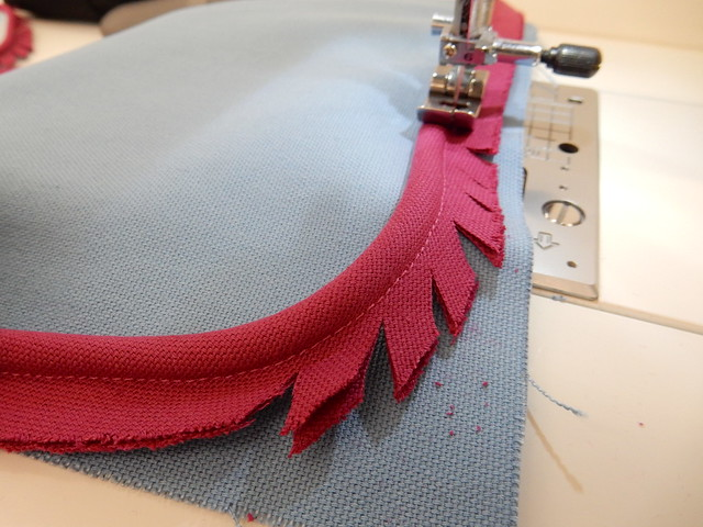 cushion making - piping (13)