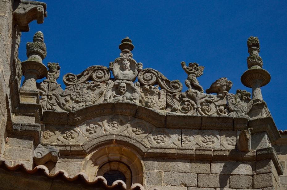 lara-vazuez-mad-lula-style-streets-of-avila-details-stone