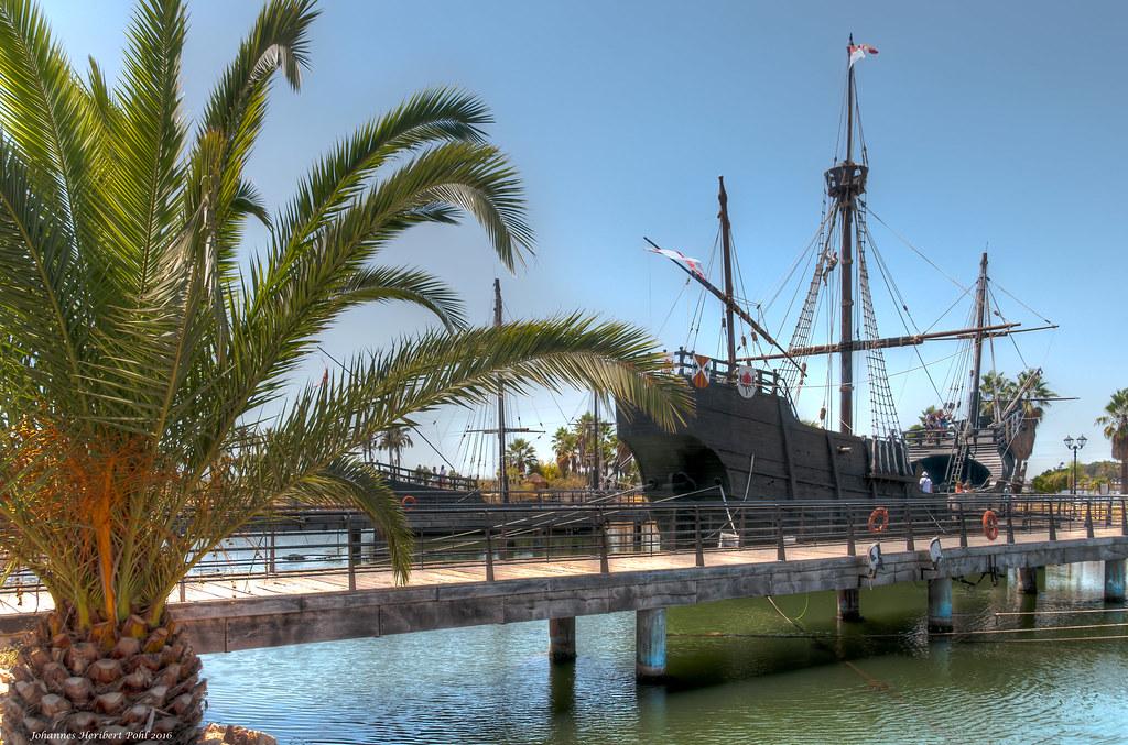 Karavelle Santa Maria im Museumshafen in Palos de la Frontera.  -- Caravel Santa Maria in the museum harbor in Palos de la Frontera.