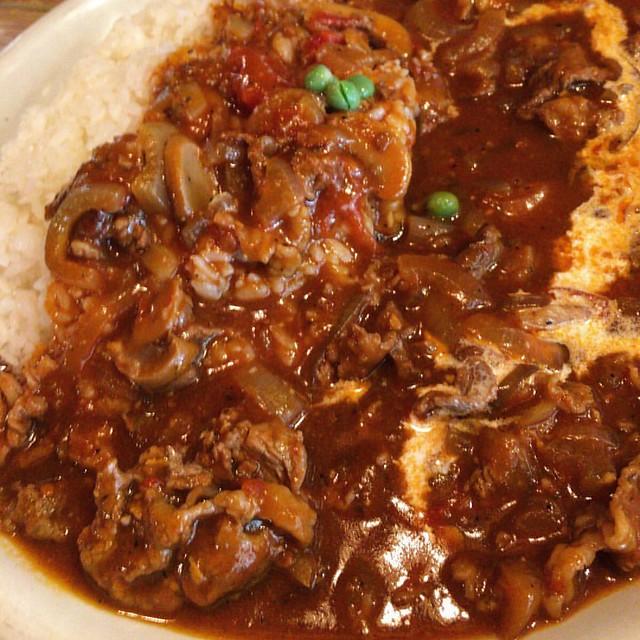 Photo:夜は居酒屋のランチ。ハヤシライス大。美味かった! 他にカレー、あいがけ。(カレー|ハヤシ)スパゲッティがあるみたい。 また来よう #広尾 #カレー #ハヤシライス #焼鳥ことぶき By Ryouhei Saita