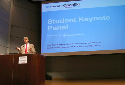Open textbooks fill digital shelves
