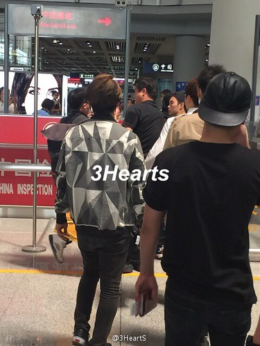 Big Bang - Beijing Airport - 07jun2015 - suckmy - 05