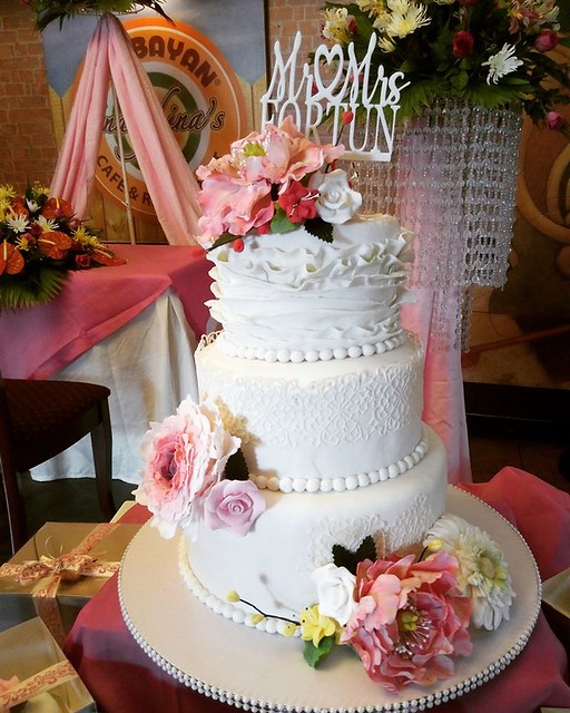 Wedding Cake Classic Theme Combination of Lace and Raffles by Evangeline Laguinday Orfano‎