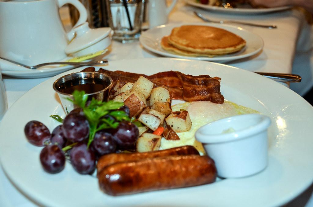 sausage pancakes steakhouse 55