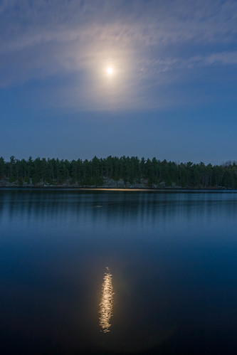 moon ontario reflections hartlake