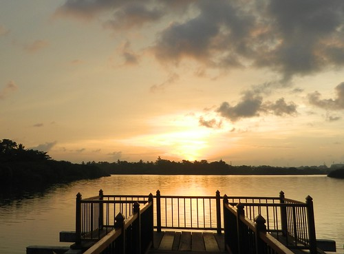 sunrise diyawannaoya diyawannalake srilankaparliament diyawannasanctuary