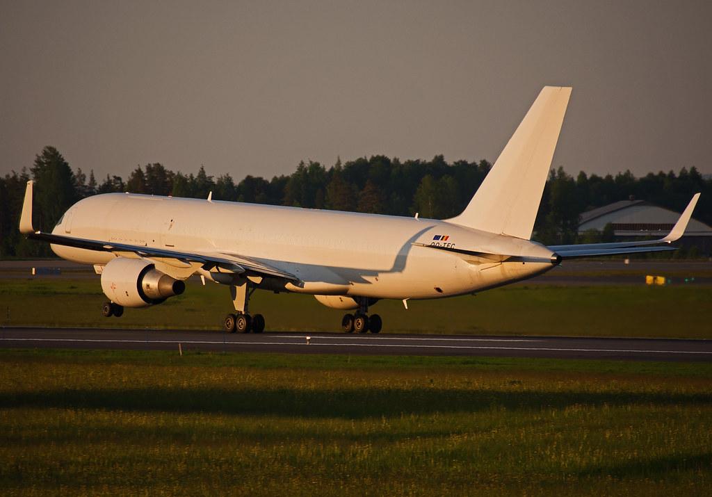 OO-TFC - B752 - European Air Transport