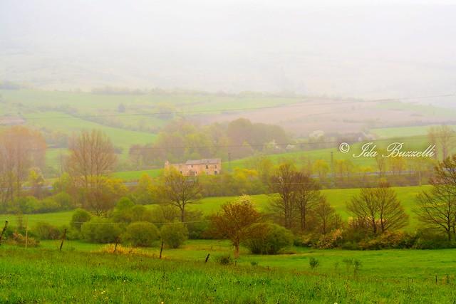 Castel di Sangro e la nebbia agli irti colli....