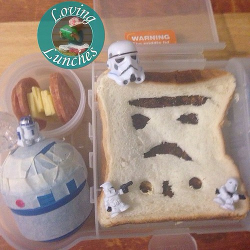 Loving a little #MayTheFourth fun in tomorrow's @nudefoodmovers … Tie Fighter inspired pepperoni & cheese; #R2D2 inspired snack pod of grapes; #StormTrooper inspired vegemite sandwich #MayThe4th #StarWars #MayTheFourthBeWithYou #iloveNFM #iloveSMASH @smas