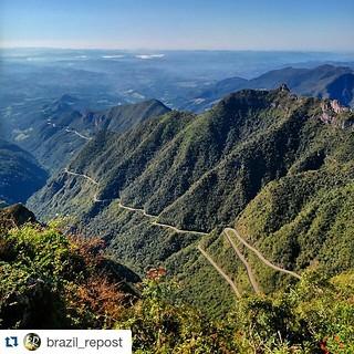 #mountain trails in #brazil  #brazilian #nature #brasil #brasileiro  #Repost @brazil_repost ・・・ Serra do Rio do Rastro por @claudia_wesselka. 🔁 ֹ