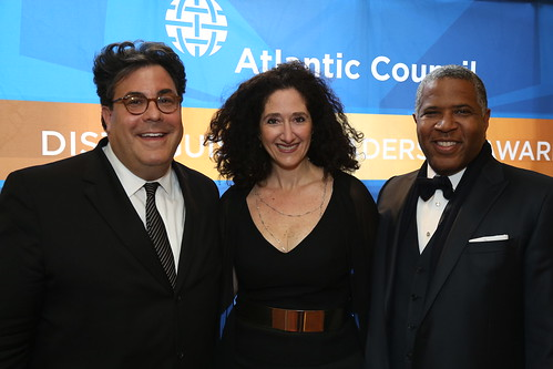 Alan Fleischmann, Dafna Tapiero, Robert Smith