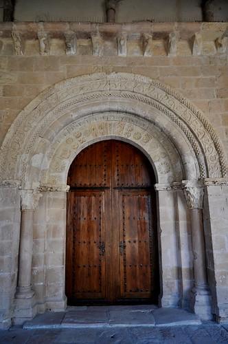 San Pedro de Gaíllos (Segovia). Iglesia de San Pedro. Portada