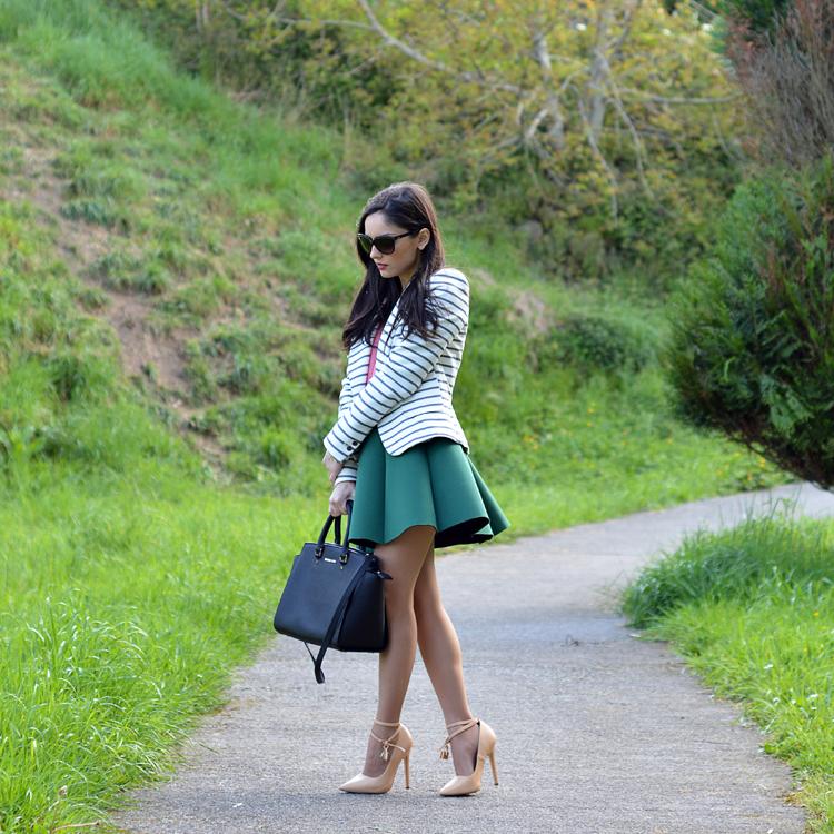 zara_ootd_outfit_falda_neopreno_como_combinar_rayas_coral_08