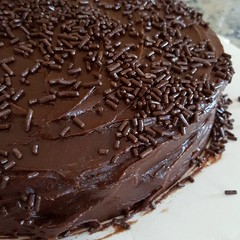 chocolate truffle, buttercream, chocolate cake, torta caprese, ganache, baked goods, sachertorte, food, icing, chocolate,