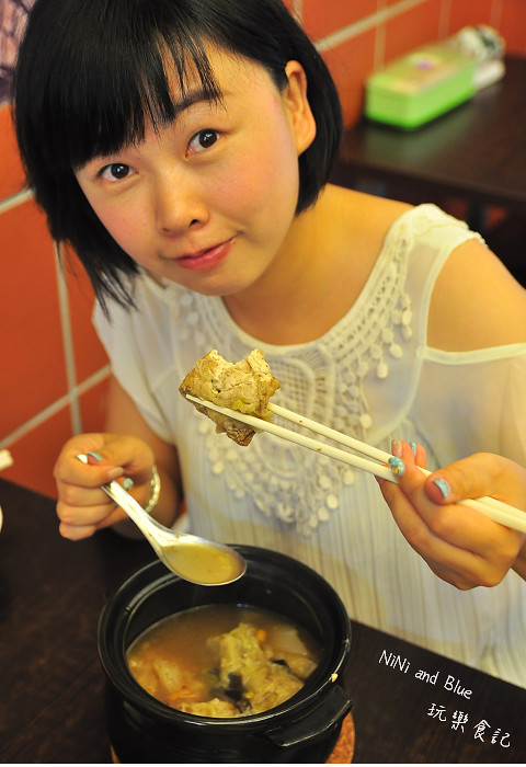 17929158789 e1f0349709 b - 李蕃薯担仔麵,一碗台南担仔麵,傳承一世人的回憶,桂蒜香酥鴨,美味萬壽公園對面