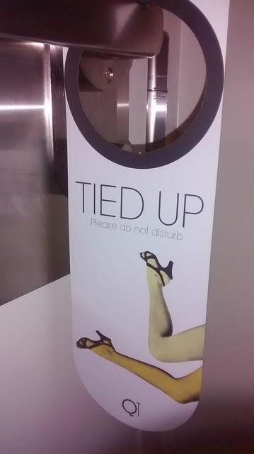 tied up doorhangert