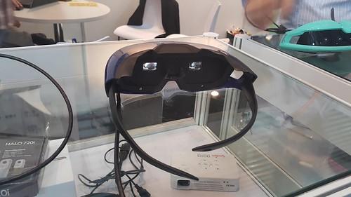 แม้แต่แว่น VR (Virtual Reality) ที่ยังไม่ถึงกับประสบความสำเร็จ ก็มี OEM แล้ว