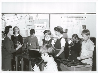 Form II [Form Two] pupils use a wide range of Musical instruments. Remuera Intermediate School. Auckland.