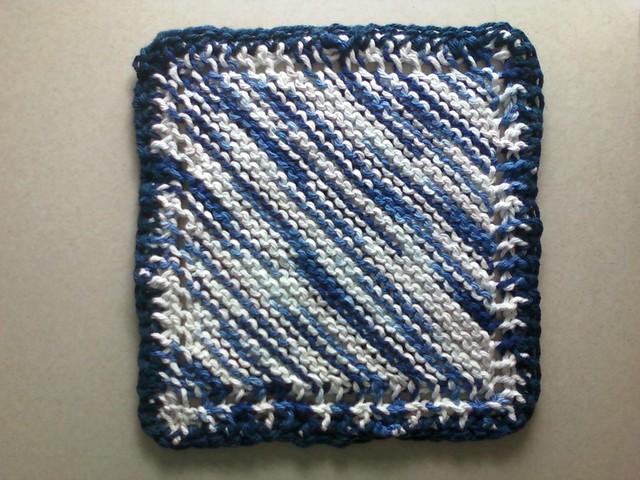1 oz. Grandma's Favorite Dishcloth in Bernat Reflections Ombre & Navy