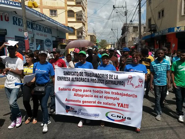 FEDOTRAZONAS unionists march in the Dominican Republic on May Day 2015