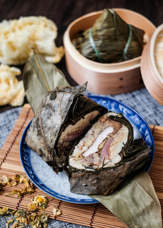 茶叶鸭,鱼肚,还有鲍鱼饺子