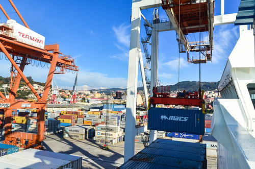 Container loading operations at the port of Vigo