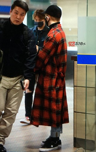 Big Bang - Incheon Airport - 27mar2016 - YB 518 - 02