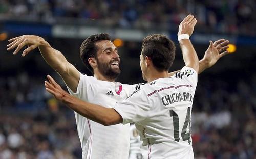 Pase de 'Chicharito' en triunfo de Real Madrid 3-0 sobre Almería