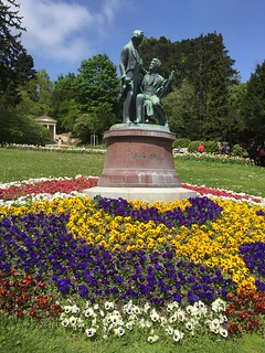 Image of Lanner-Strauß-Denkmal. park musician flower monument memorial musiker blume baden niederösterreich frühling denkmal straus loweraustria kurpark lanner johannstraus johannlanner