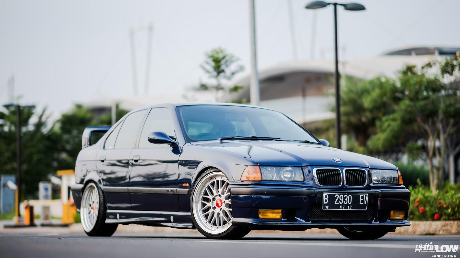Ozza Ramadhan BMW E36-323i 1997