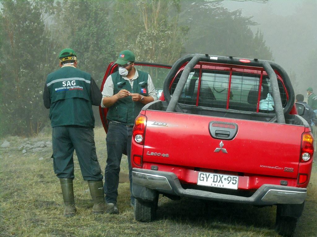 AFSAG destaca gran tarea que realizan los funcionarios SAG de Puerto Montt en apoyo de emergencia de erupción Volcán Calbuco - 04 Mayo 2015